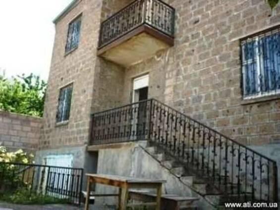 Продается 2-х этажное домовладение в поселке Птхни